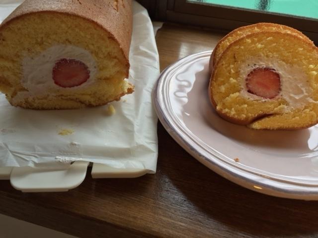 平成29年02月06日イチゴのロールケーキ