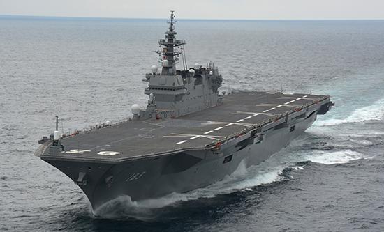 海上自衛隊護衛艦いずも全景