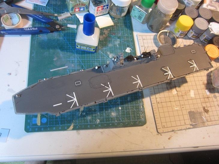 いずも飛行甲板デカール終了