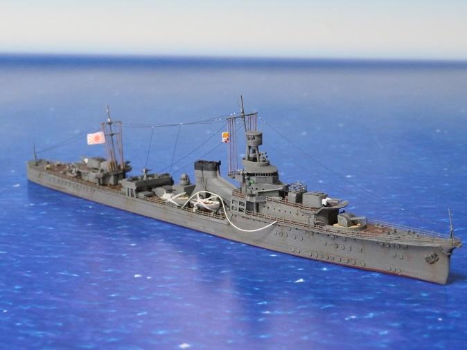 軽巡夕張右舷前方