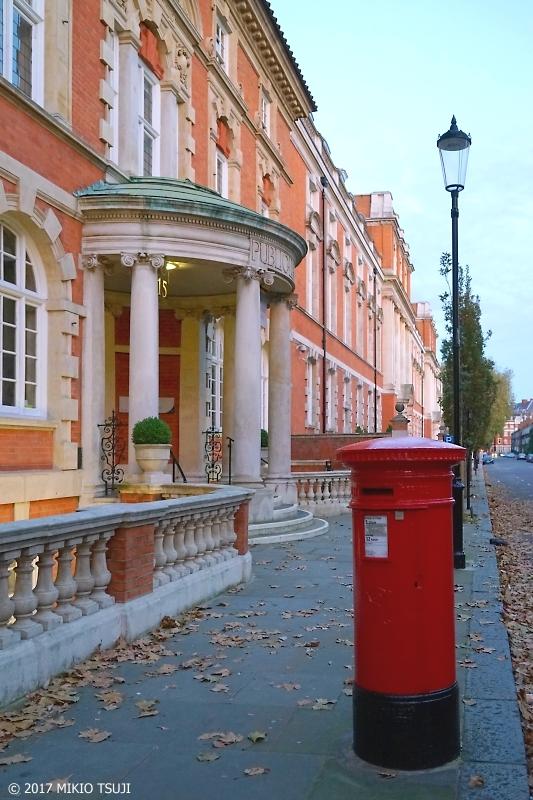 絶景探しの旅 - 0110 ロンドンの赤いポストのある風景