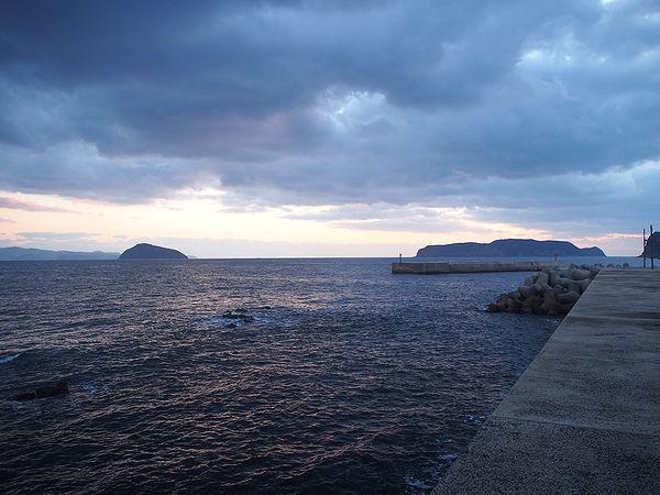 東向きの漁港