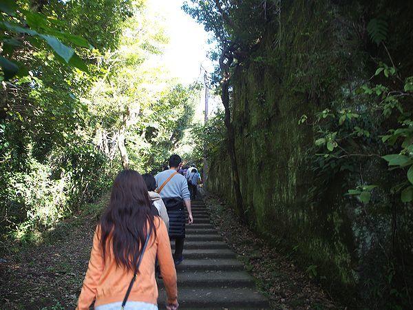 鋸山への階段
