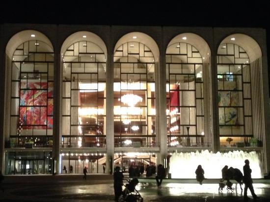 Metropolitan Opera の幕間とManon Lescaut