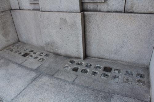 0185:大阪証券取引所 地面部分のガラスブロック①
