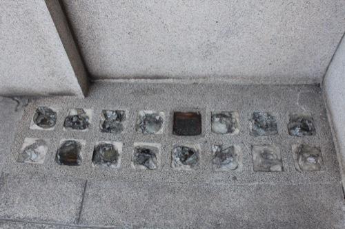 0185:大阪証券取引所 地面部分のガラスブロック②
