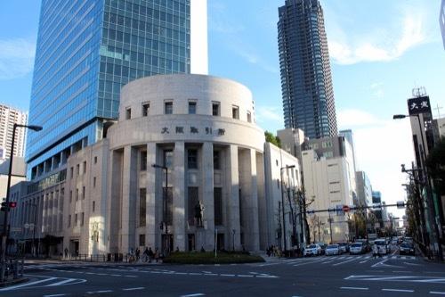0185:大阪証券取引所 北浜交差点より