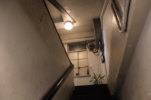 0186:伏見ビル 階段