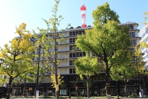 0192:大阪ガスビル 御堂筋の向かい側から①