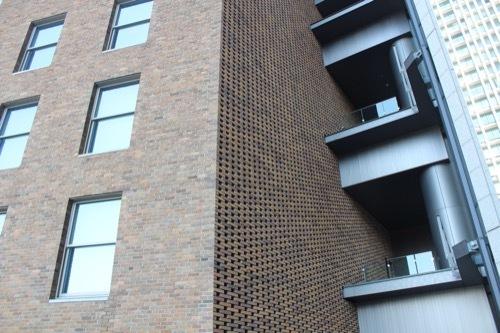0196:ダイビル本館 南側の新調煉瓦①