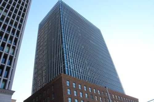 0196:ダイビル本館 高層部を見上げる