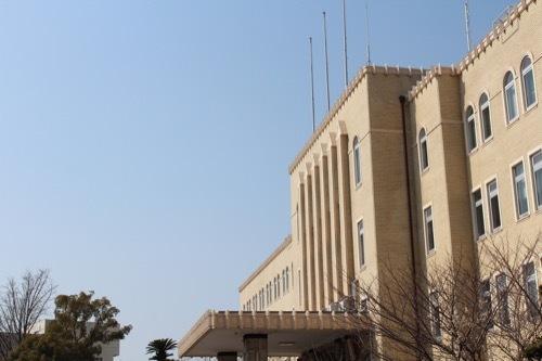 0201:和歌山県本庁舎 外観を横から