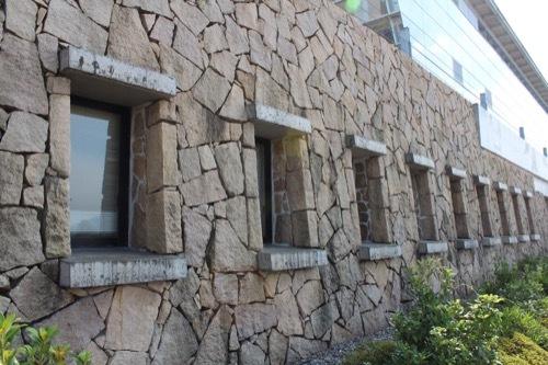 0207:新日本海敦賀ターミナル ターミナルの石垣①
