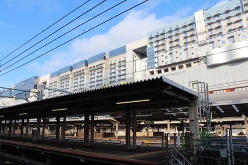 0211:JR京都駅ビル 在来線ホームから①