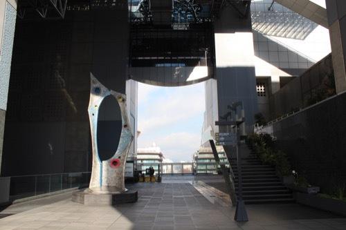 0211:JR京都駅ビル 烏丸小路広場①