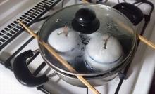 ふつうの両手鍋で茶わん蒸し 手順 (2)