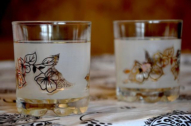 glass-617926_640.jpg