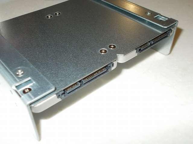 長尾製作所 SSD シェアハウス SS-NMT502 マウンタ本体に Crucial Micron SSD MX300 525GB 3D TLC NAND 3年保証 CT525MX300SSD1 端子側