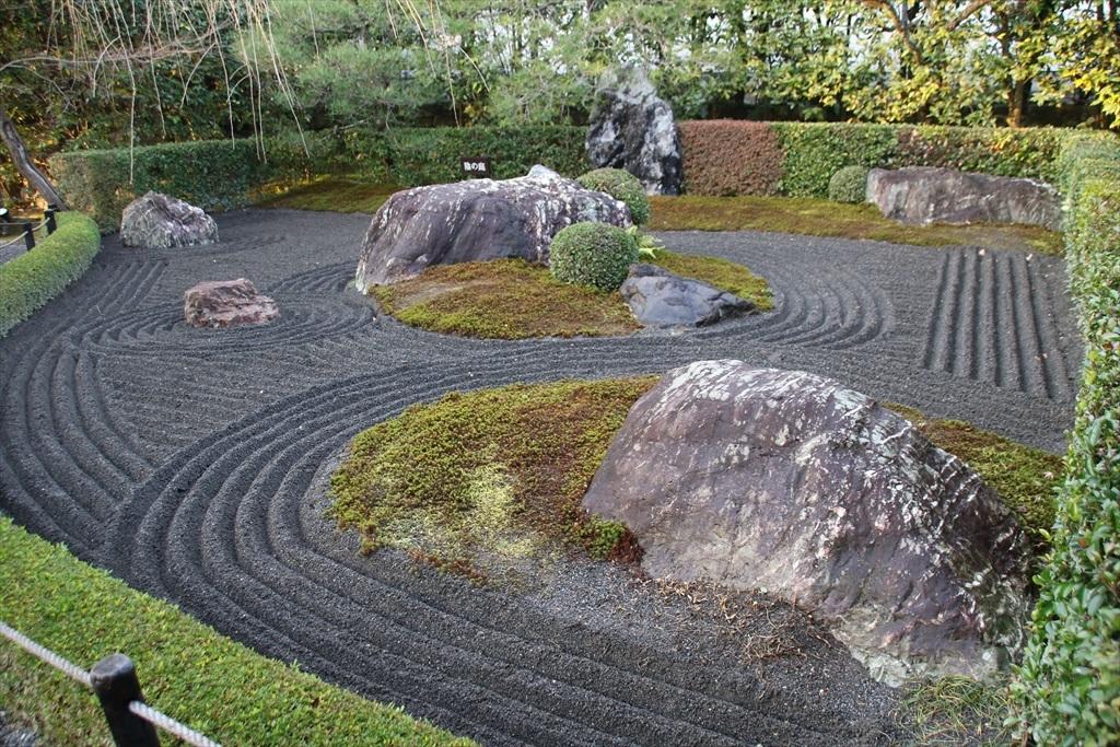 陰の庭_1