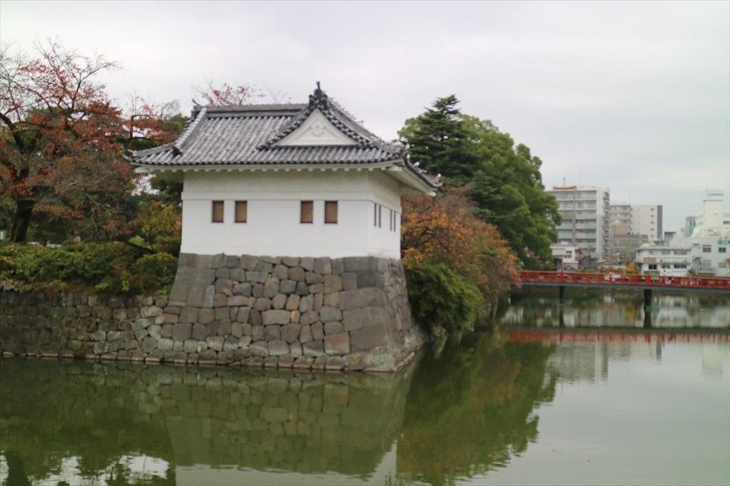 堀と二の丸隅櫓