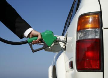 car-and-fuel-usage.jpg