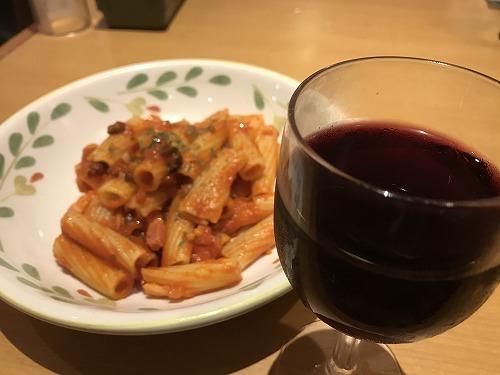 サイゼリヤのイタリアンワインで忘年会?!