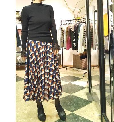 幾何柄スカート1