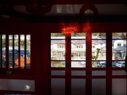 楼門2階から新館を望む