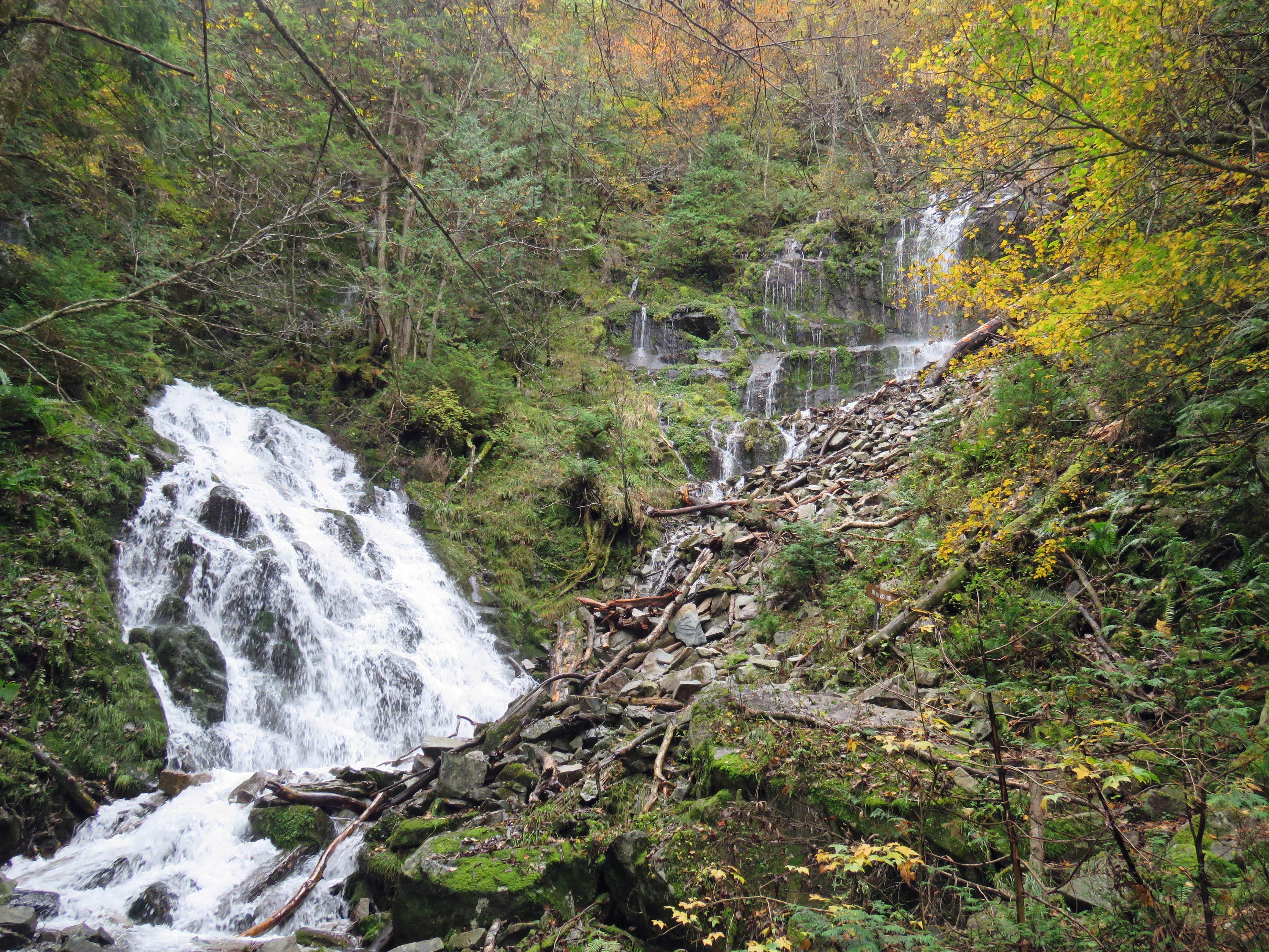 焼山の滝A_181008