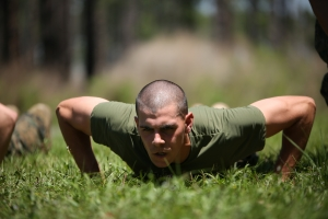 Photo_Gallery,_Marine_recruits_get_fit_during_extra_physical_training_on_Parris_Island_140505-M-RV272-681