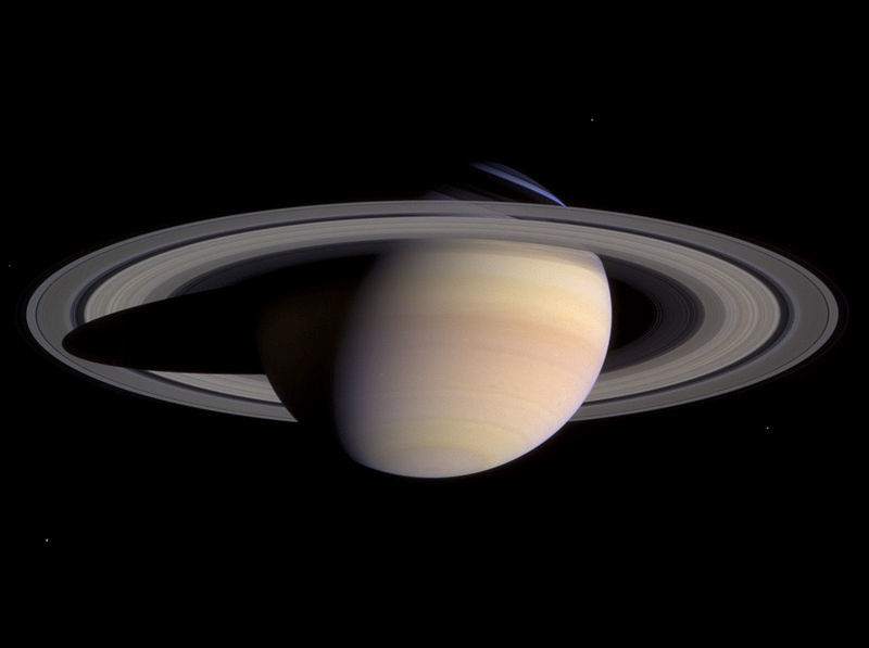 800px-Saturn-cassini-March-27-2004.jpg