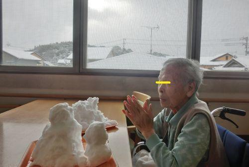 20170124 鳴海 雪だるまと書初め①