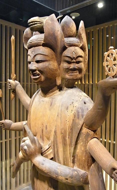 横山神社・馬頭観音像