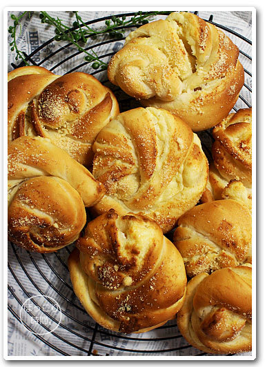 チーズロールとチョコチップちぎりパン