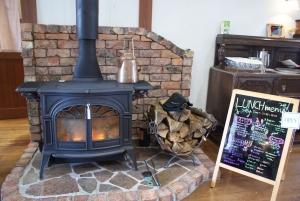 161216暖炉がおでむかえ