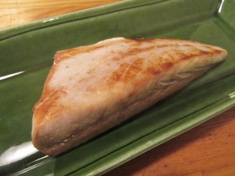 ワラサの腹身塩焼き2