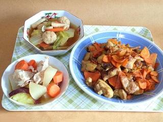 170124_4415 鶏団子と野菜の和風スープ・豚肉と根菜の煮物・鶏肉と人参のグリーンカレー炒めVGA