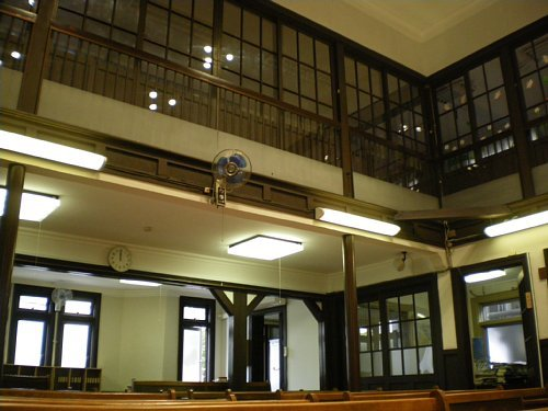 大津教会・礼拝室2