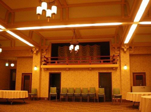 旧琵琶湖ホテル・大食堂