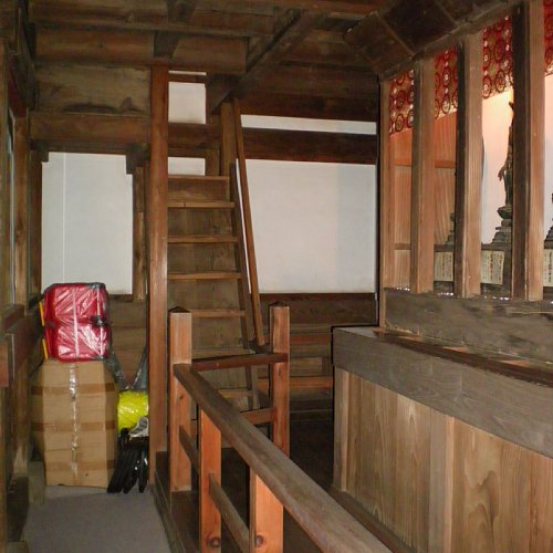 長禅寺三世堂・1階回廊