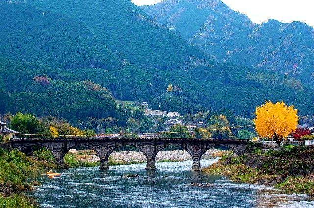 馬渓橋と山国川と西浄寺の銀杏