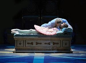 キスで目覚めるオーロラ姫