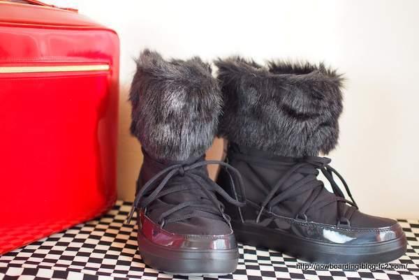 クロックス ロッジポイント レース ブーツ ウィメン lodgepoint lace boot