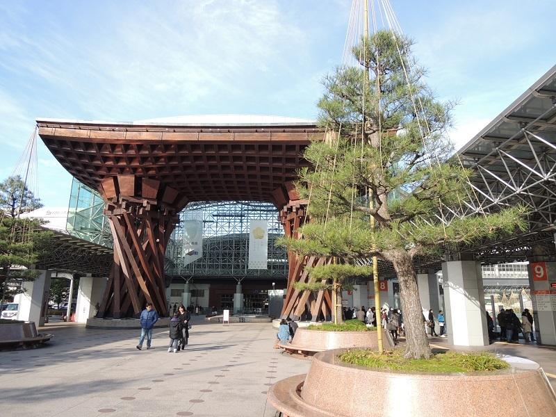 金沢駅に着きました