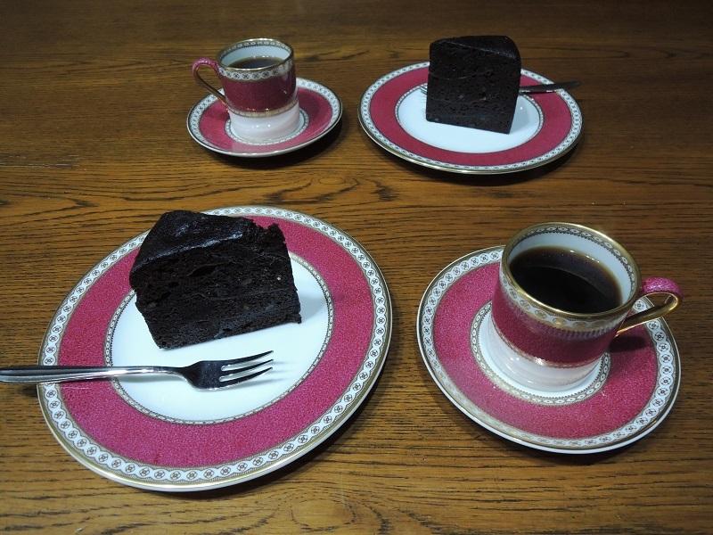 チョコレートケーキ 珈琲と一緒に