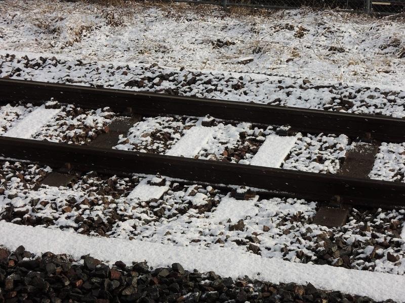 線路の上の雪