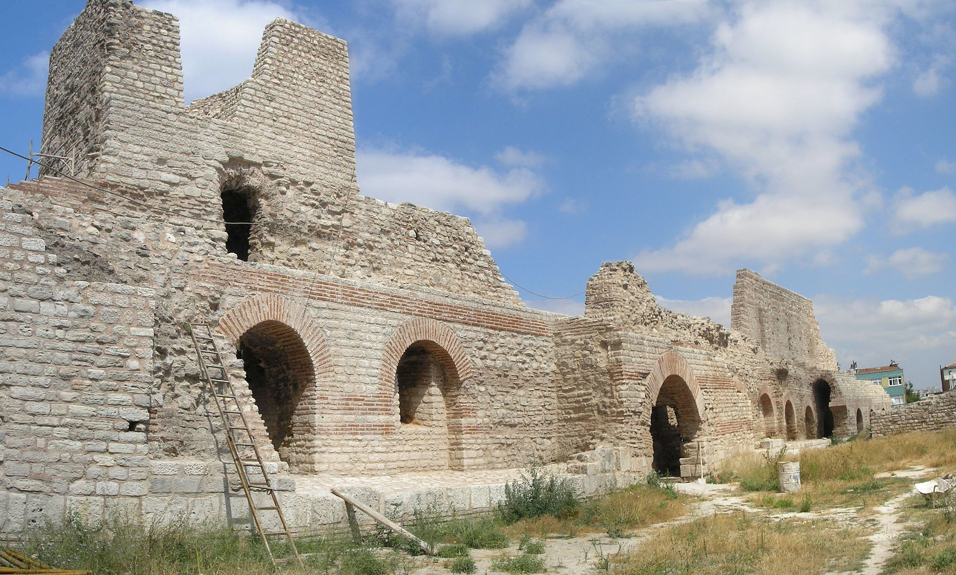 Palace_of_Porphyrogenitus_2007a.jpg
