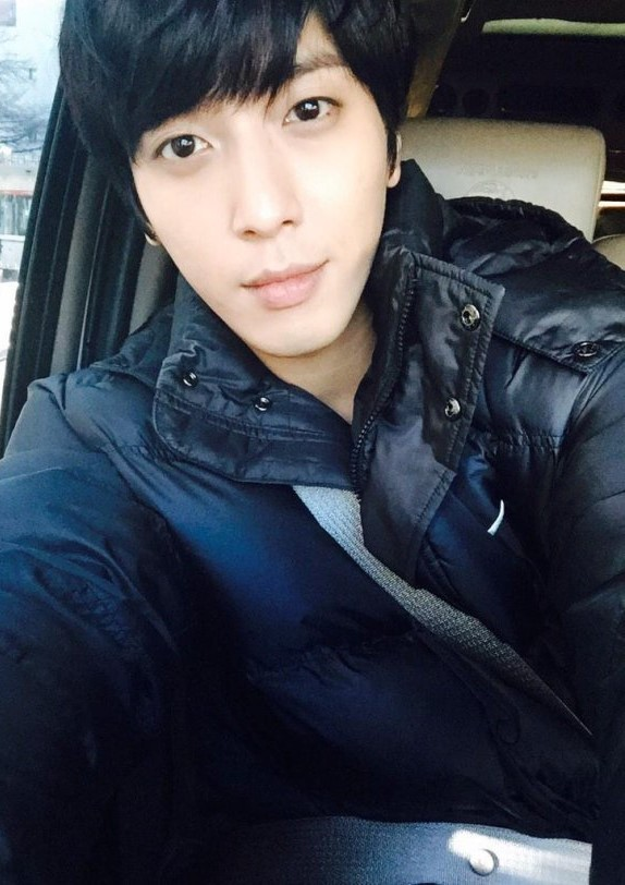 jung-yong-hwa-1st-place-on-inkigayo-selfie (2)zzzzz