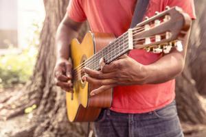 guitar-869217_960_720_convert_20161204230521.jpg