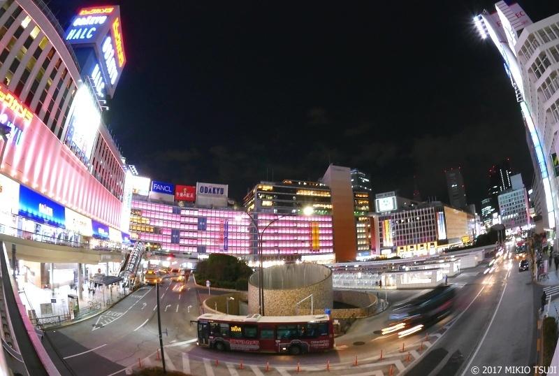 絶景探しの旅 - 0101 桜色に輝く新宿西口 (東京都 新宿区)